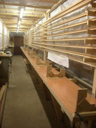 Holle houten masten en rondhouten nieuw en op maat for Houten trappen op maat gemaakt