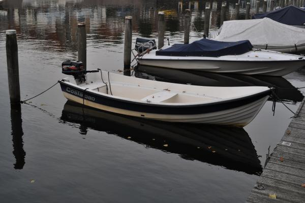Costa 380 bootje met trailer en buitenboordmotor