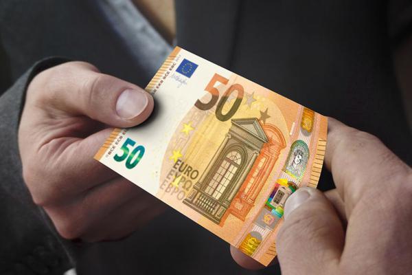 Voer hier uw leningsverzoeken uit: (stephanienadinepierre206@gmail.com)