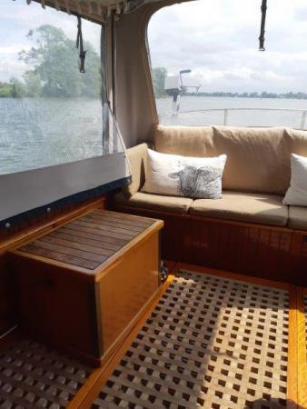 9 meter stalen kajuitboot Dompvlet Nette boot