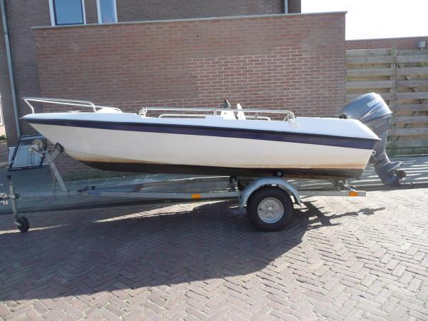 Mooie Tassen Te Koop : Te koop mooie motorboot visboot speedboten boten
